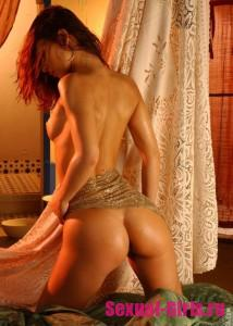 Эро фото: Упругая голая попка красивой девушки