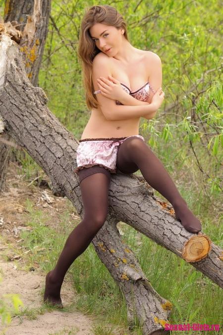 Молоденькая русская девушка с аппетитным телом