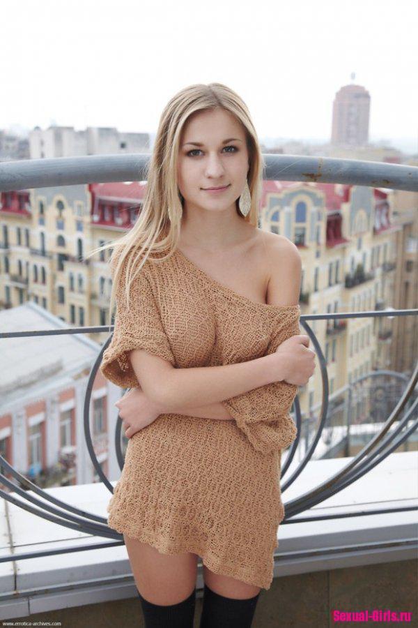 Секси блондинка