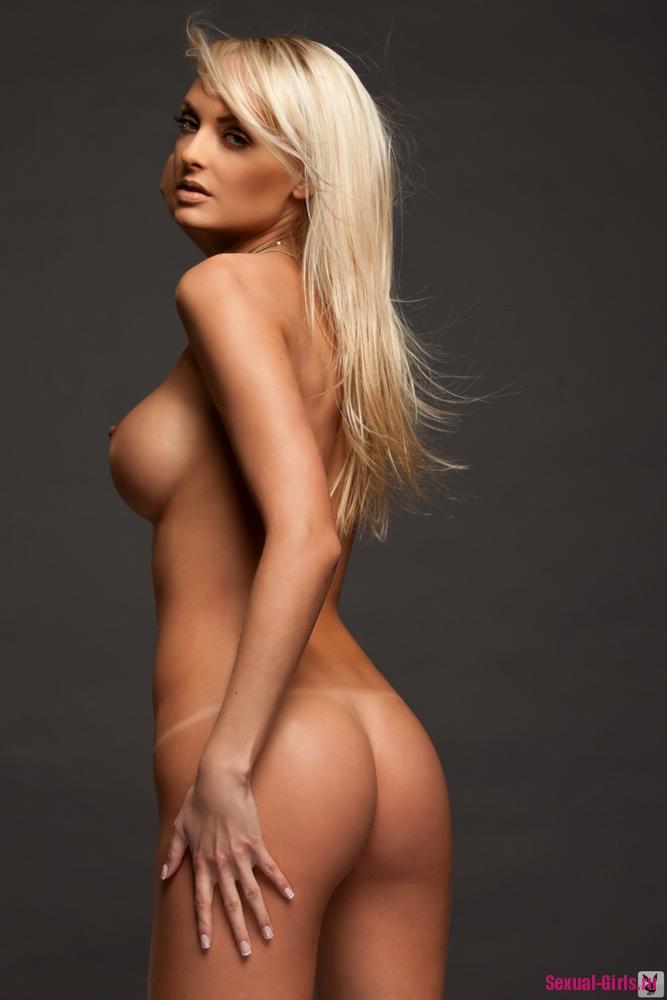 Эротика голой блондинки