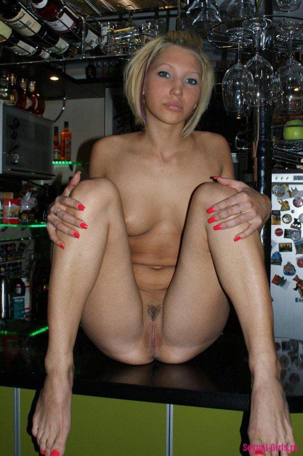 Эротическое фото: Частный фотосет блондинки
