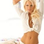 Грудастая блондинка и ее красивый фотосет