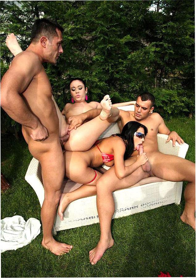 Порно фотосет: Веселая оргия у бассейна