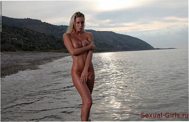 Erotika-blondinki-na-zakate-3