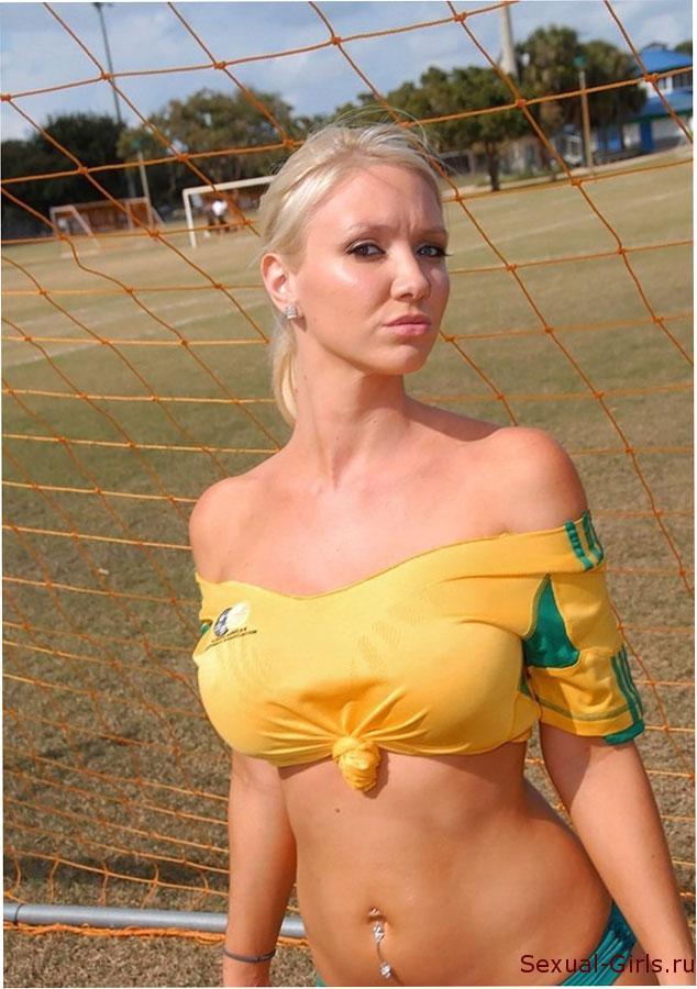 Erotika-golykh-futbolistok-3