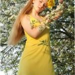 Фото русской красавицы в траве