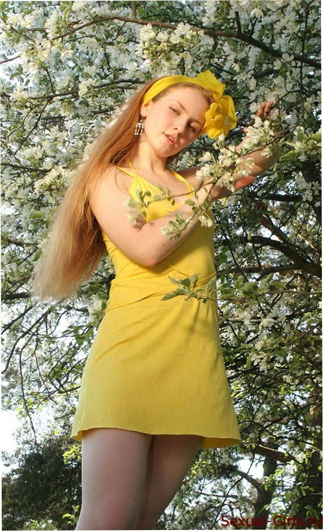 Foto-russkoi-krasavitcy-v-trave
