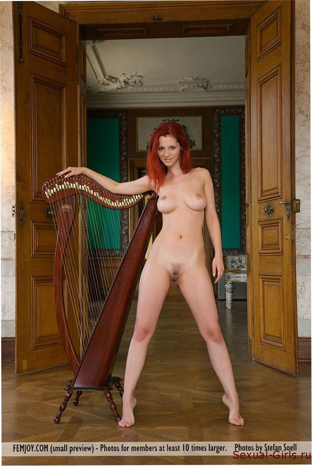 Erotika-ryzhei-muzykantki-2