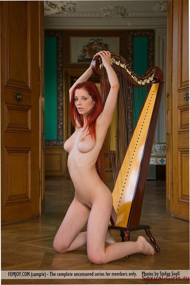 Erotika-ryzhei-muzykantki-5