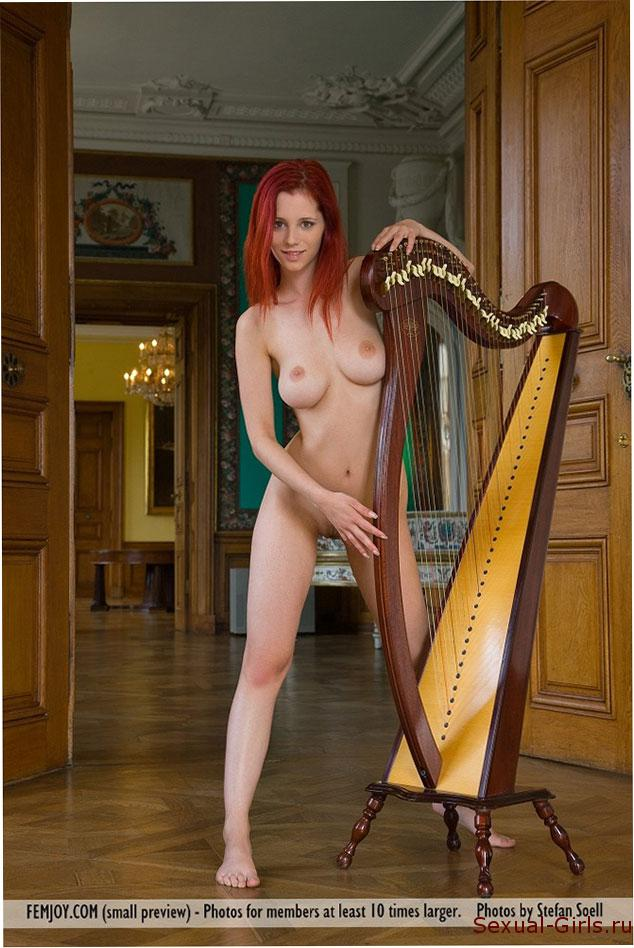 Erotika-ryzhei-muzykantki-8