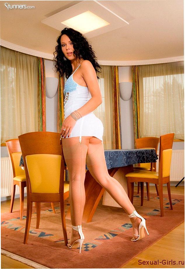 Sexy-girl-s-idealnoi-zhopoi-1