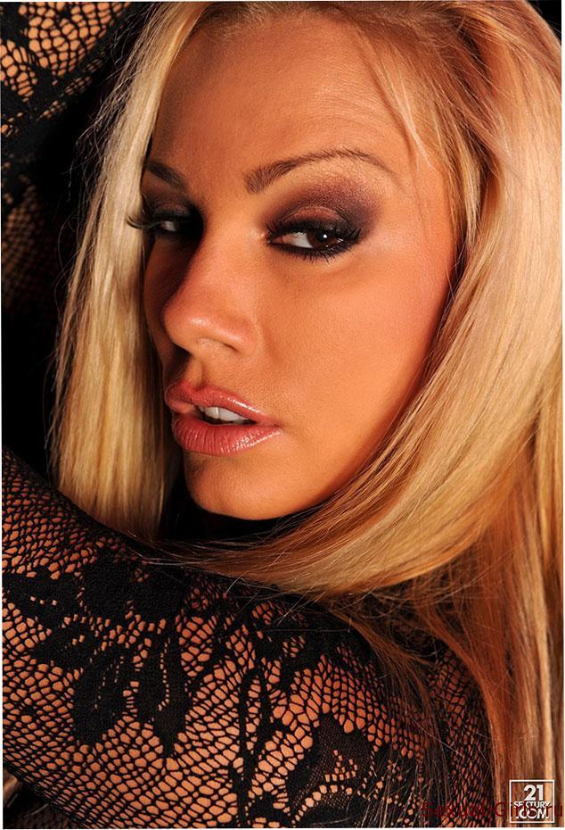 Krasivaja-zadnica-blondinki-2
