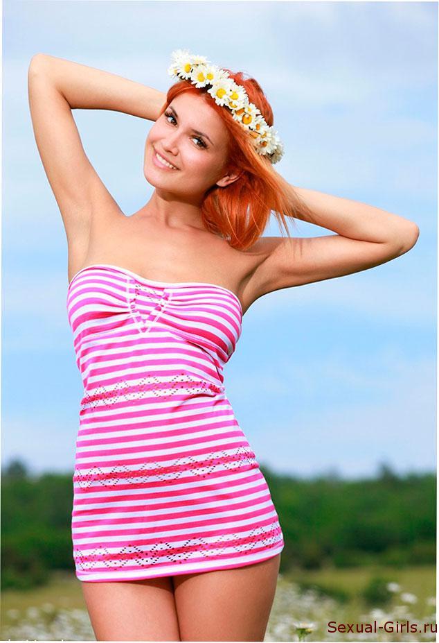 Эротический фотосет: Рыжеволосая милашка Violla A