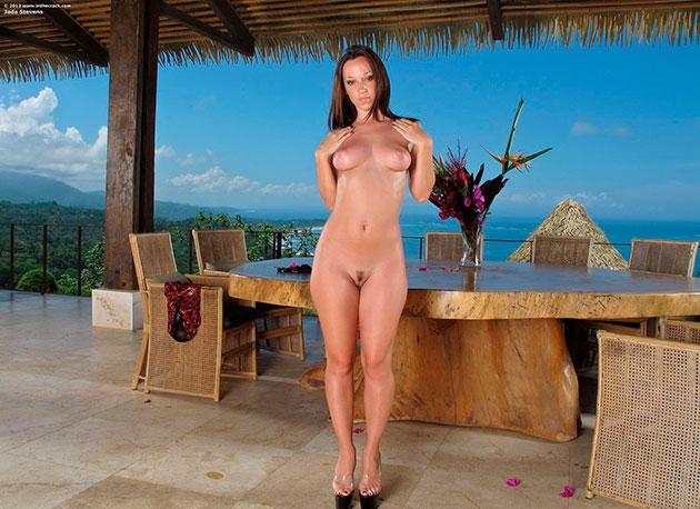 Эро фото: Сексуальная Jada Stevens с шикарной задницей